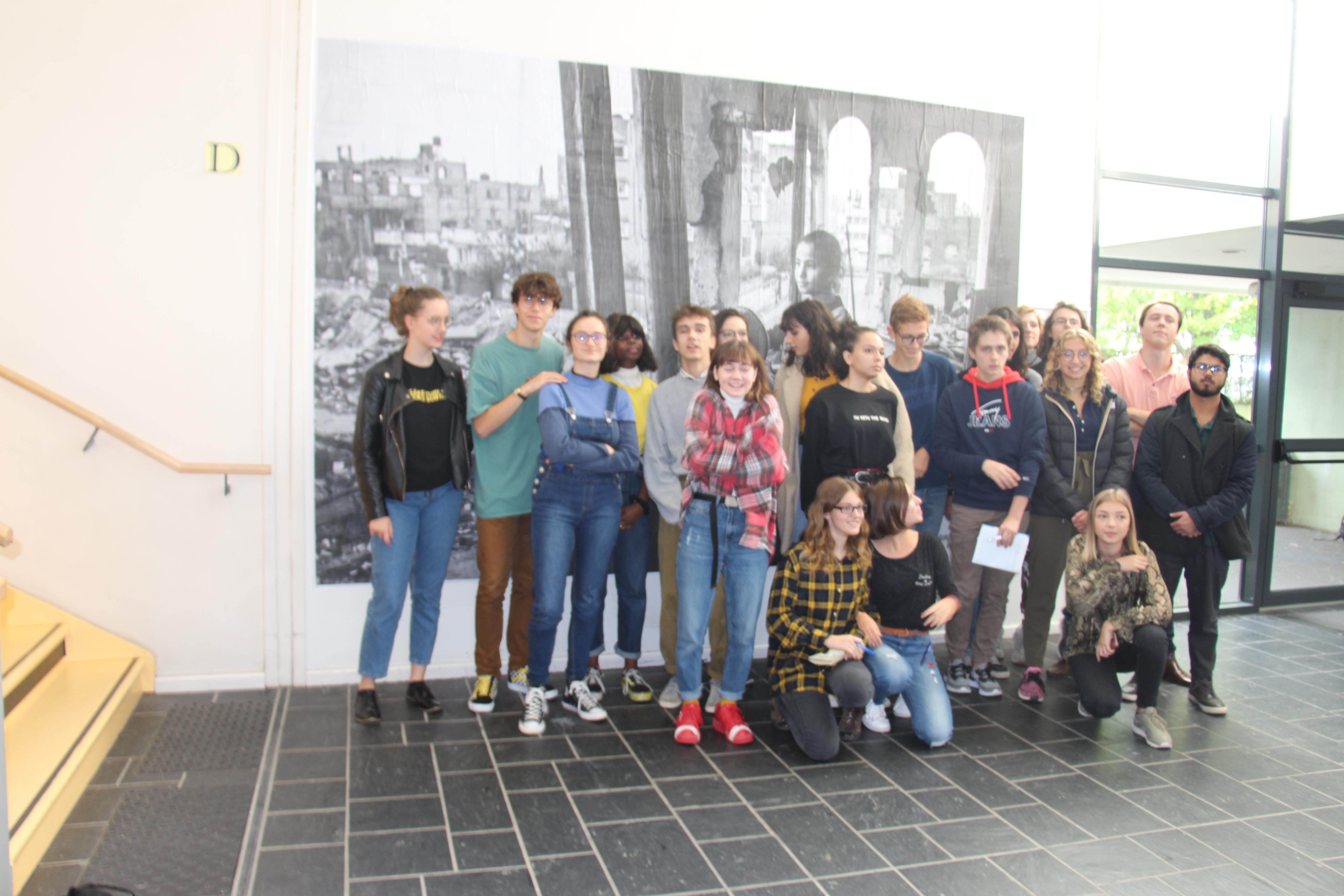 les élèves de TL et de l'atelier Médias Crédits photographiques: Deborah Dubost-Sakhi