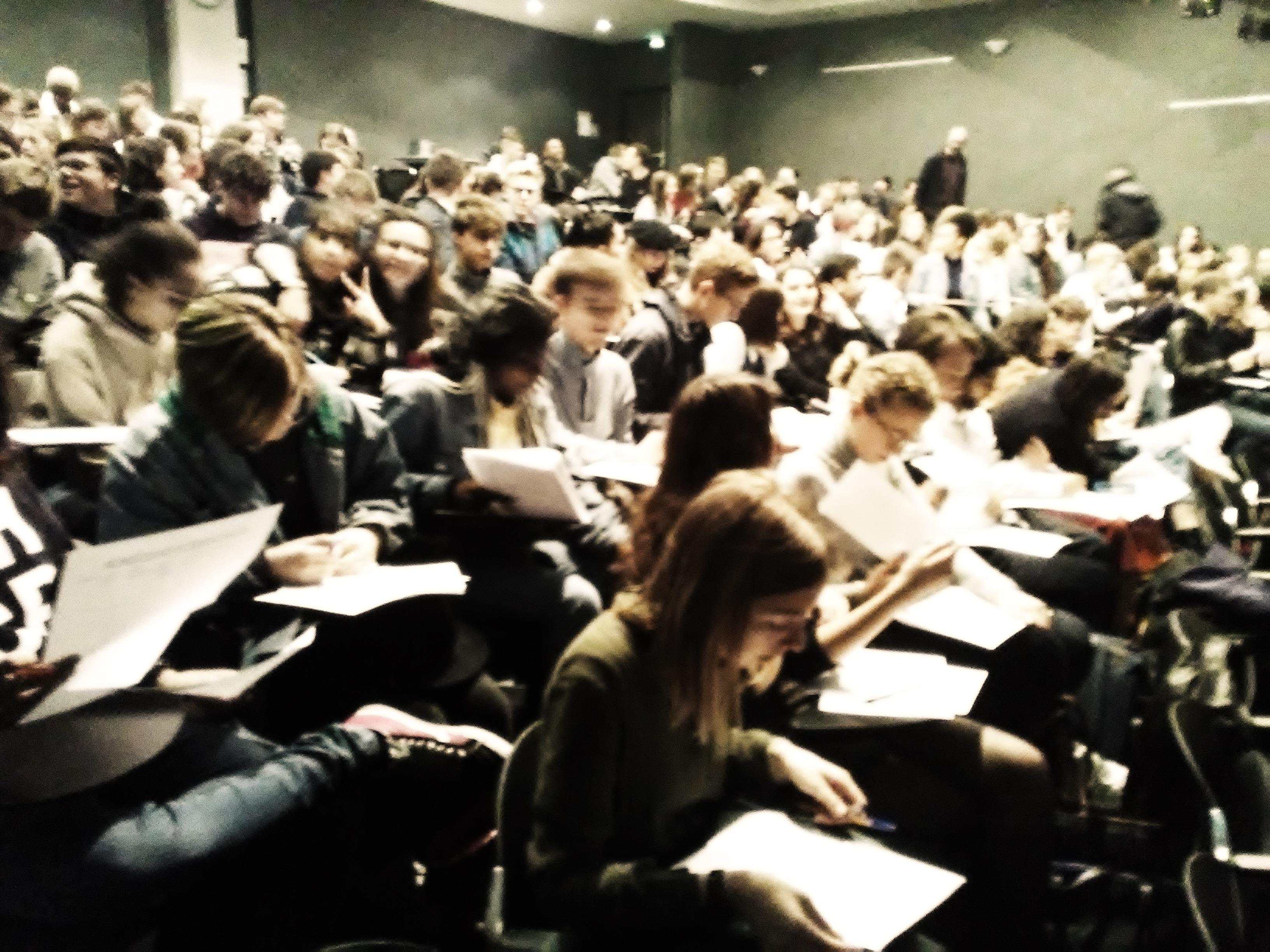 Le vote lycéen au lycée Fresne Crédits photographiques: Deborah Dubost-Sakhi